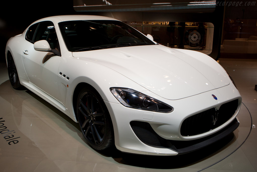 2011 maserati granturismo mc stradale italia living. Black Bedroom Furniture Sets. Home Design Ideas