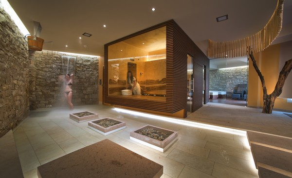 Dhara wellness centre in italy by alberto apostoli for Design hotel wellness
