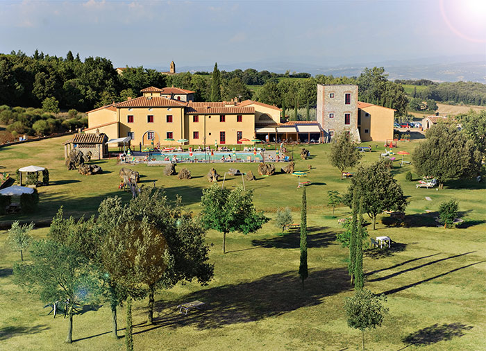 Terre Rosse Hotel in San Gimignano park pool