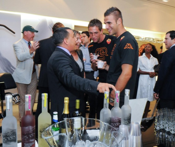 Frank Guerrera talks Punzoné with AS Roma players at TechnoGym reception NYC