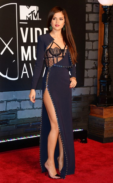 Selena Gomez 2013 MTV Music Video Awards Versace Dress