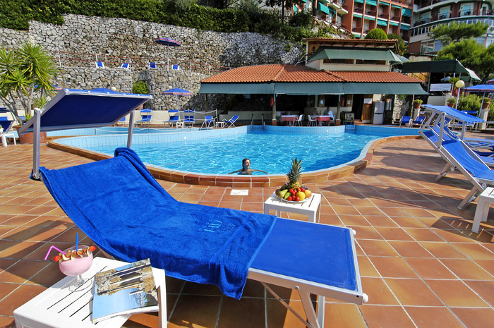 Hotel Delfino Sorrento pool