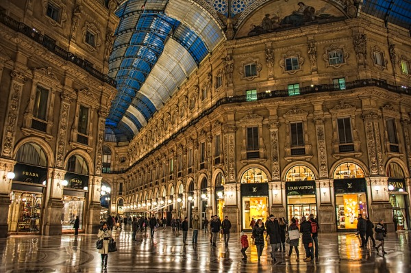 Galleria Vittorio Emanuele II at night