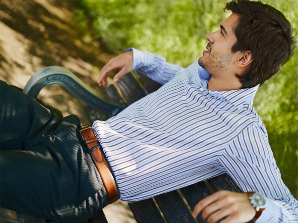 Etrusca.Collezione.Uno.Giorno.Brown.Blue.Stripes.Model.Outdoors.001.RT