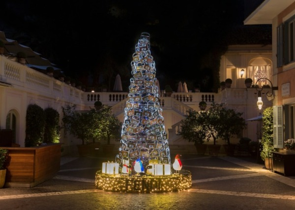 The Luxe FENDI Christmas Tree at Hotel de Russie