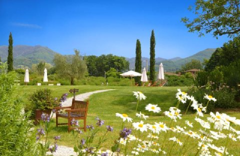 Monsignor della Casa Country Resort countryside