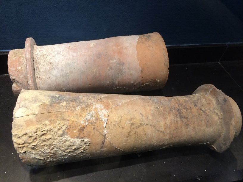 rsz_9-ancient_roman_pipes_found_at_galvanina_springsmuseum